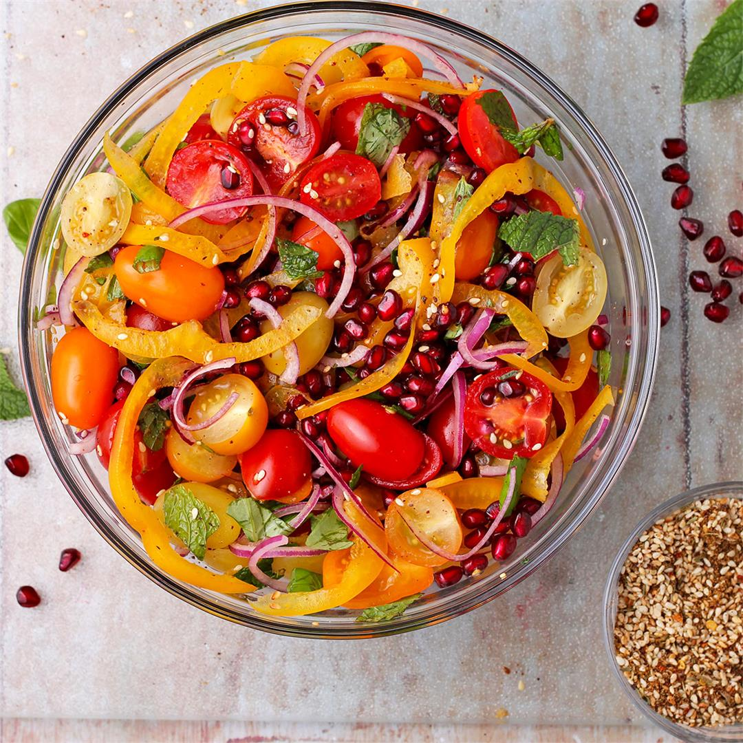 zesty tomato and pomegranate salad with Za'atar (oil-free)