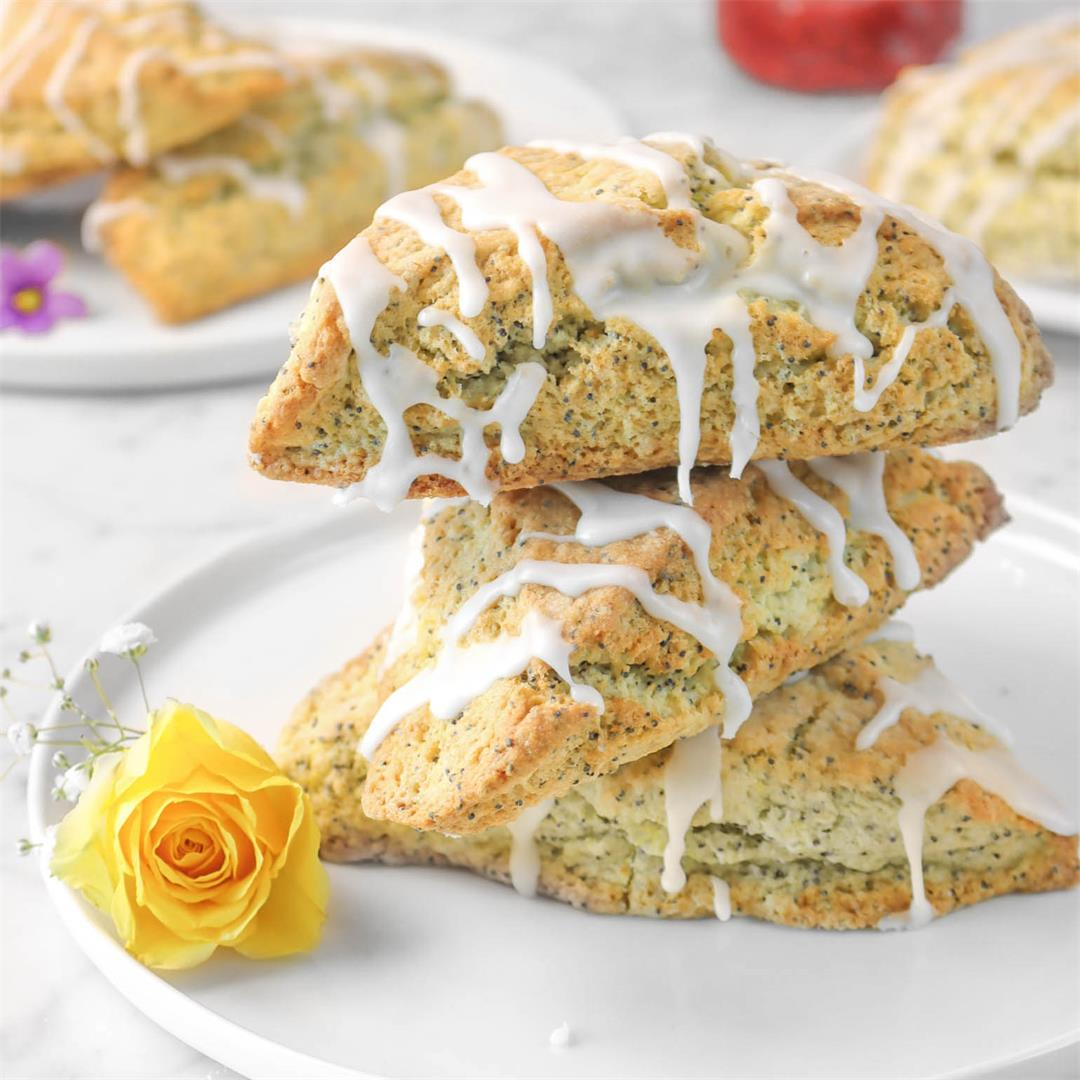 Jumbo Lemon Poppy Seed Scones