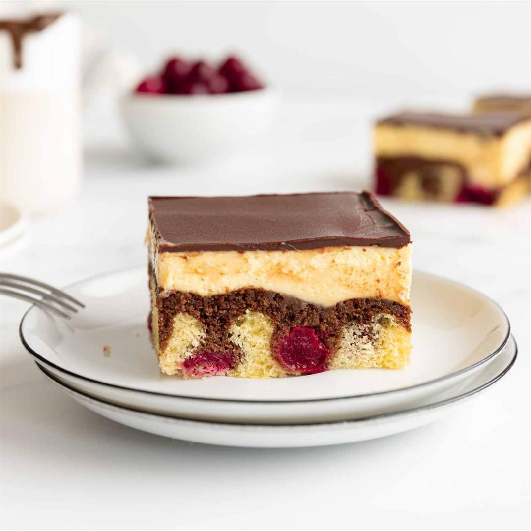 Donauwelle (Snow White Cake)