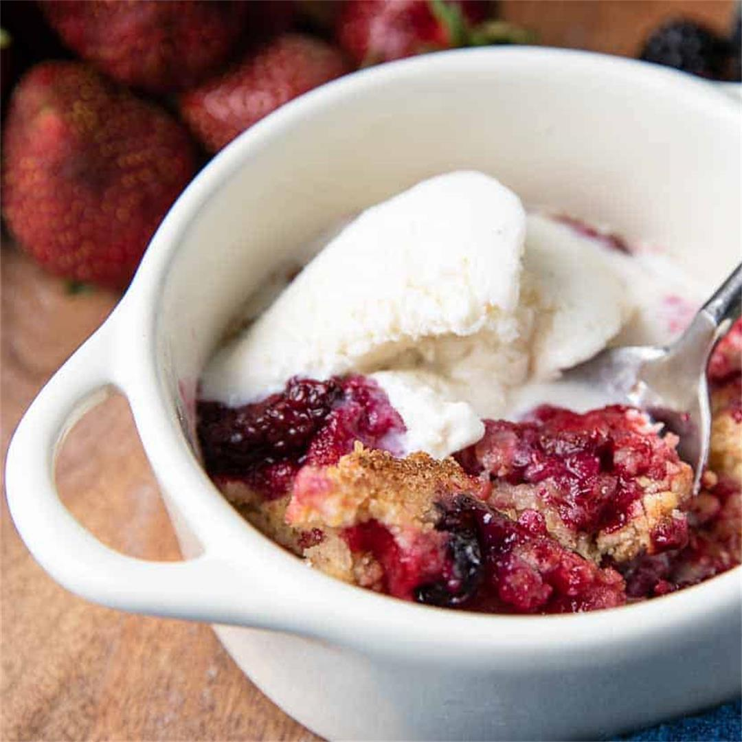 Easy Mixed Berry Cobbler Crisp