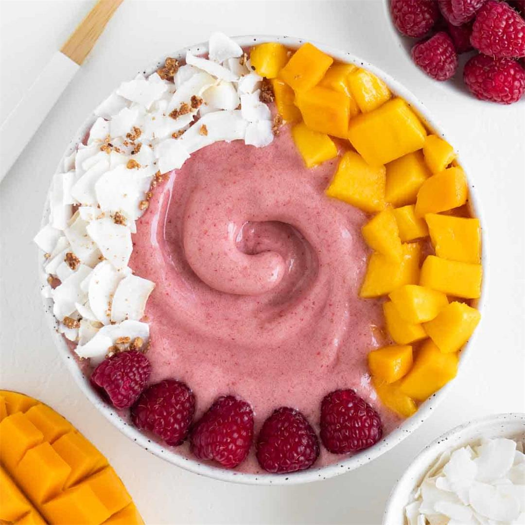 Raspberry Mango Smoothie Bowl