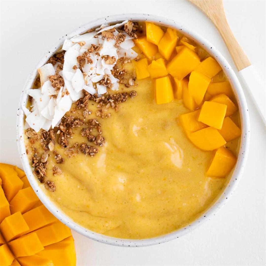 Mango Turmeric Smoothie Bowl