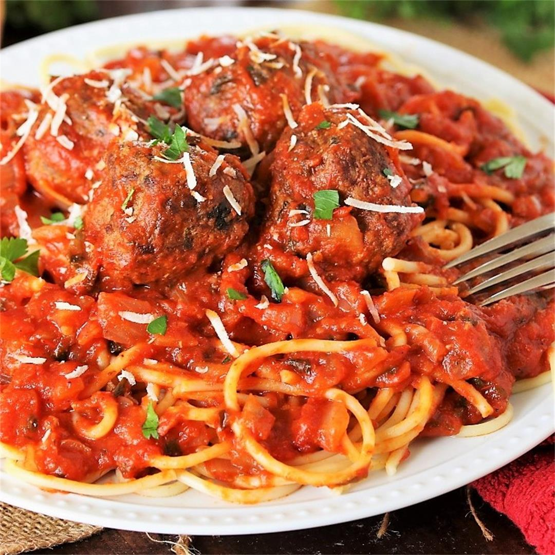 How to Make Classic Spaghetti and Meatballs