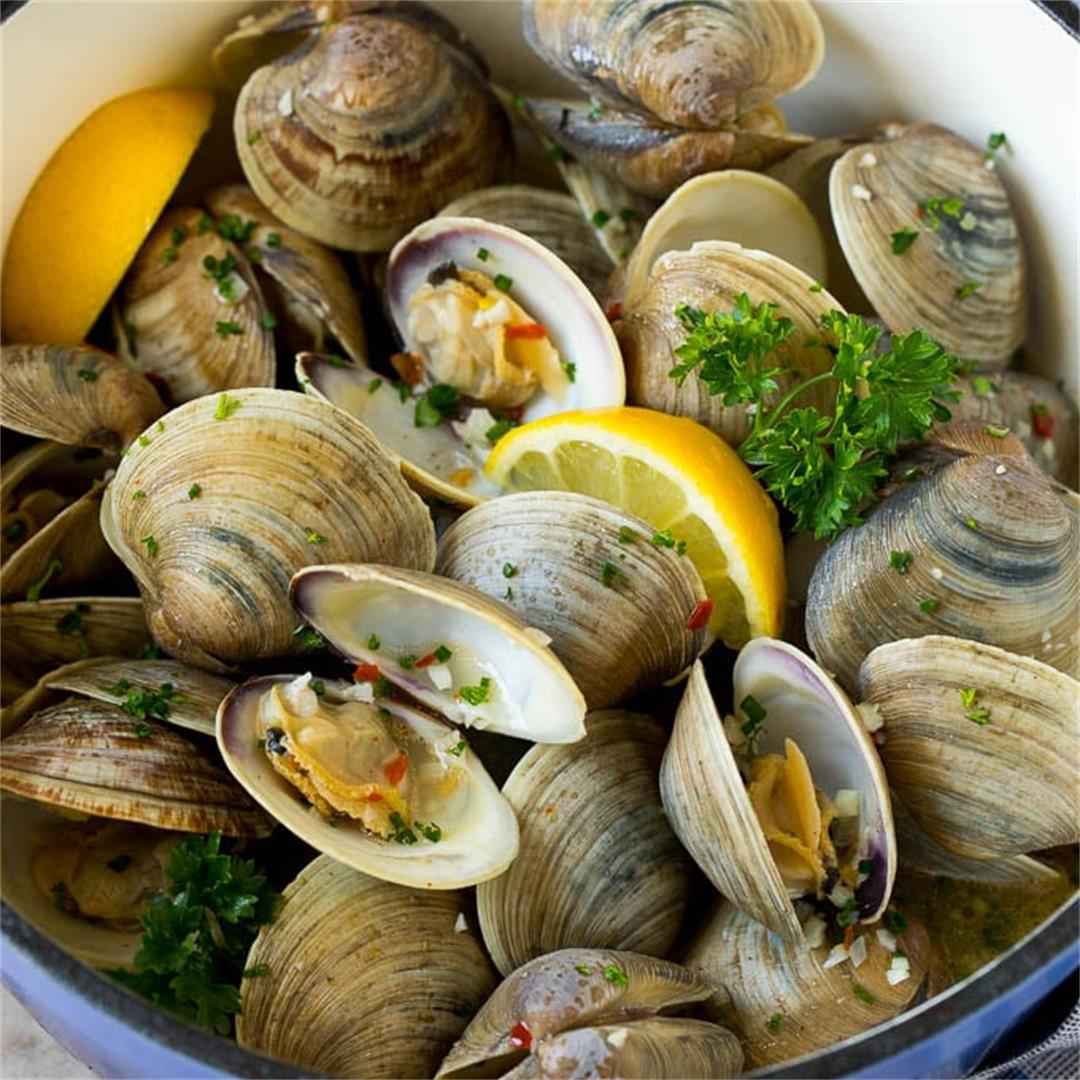 Steamed Clams in Garlic Butter