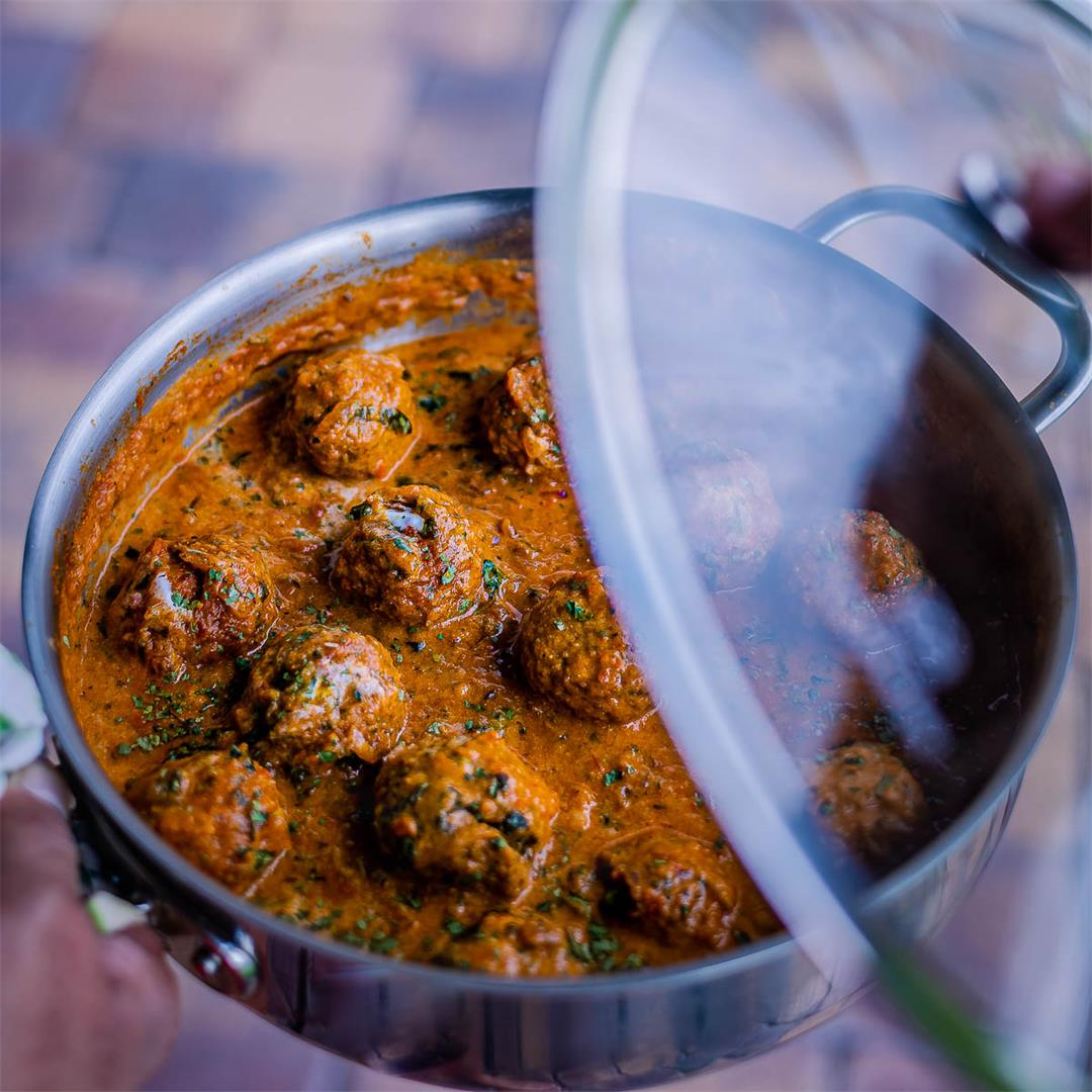 Spicy Kofta Curry with Plant-Based Meatballs Recipe
