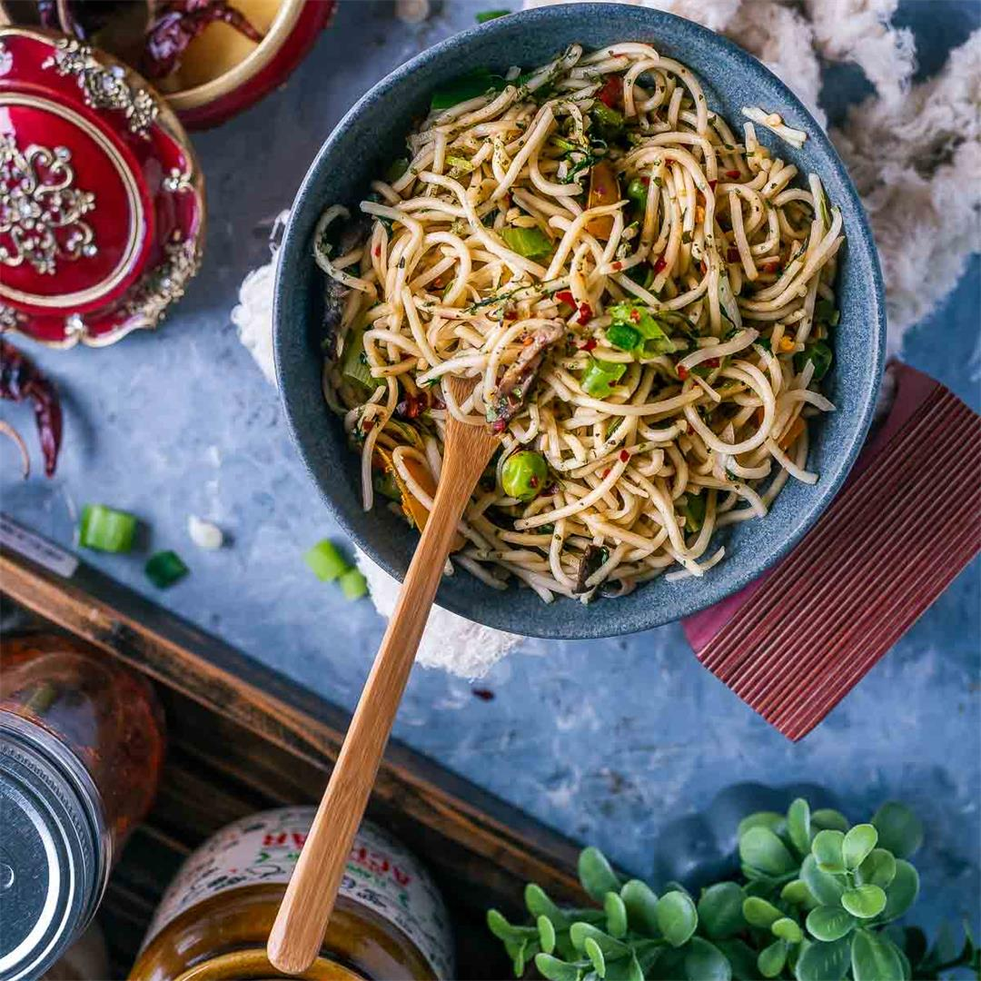 Hot and Spicy Noodles/ Cilantro Pot Noodles
