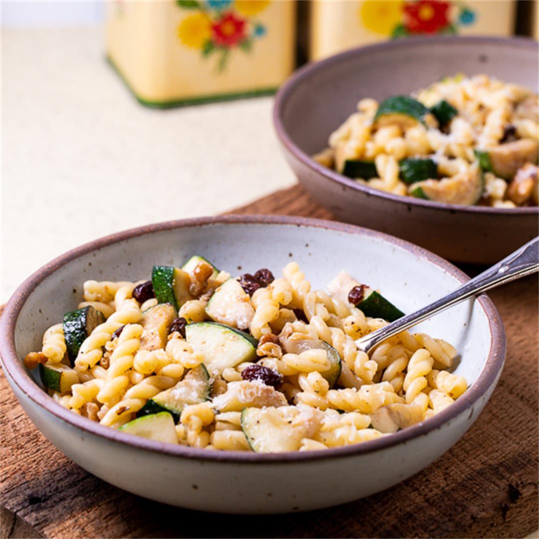 Pasta with Zucchini, Raisins and Walnuts