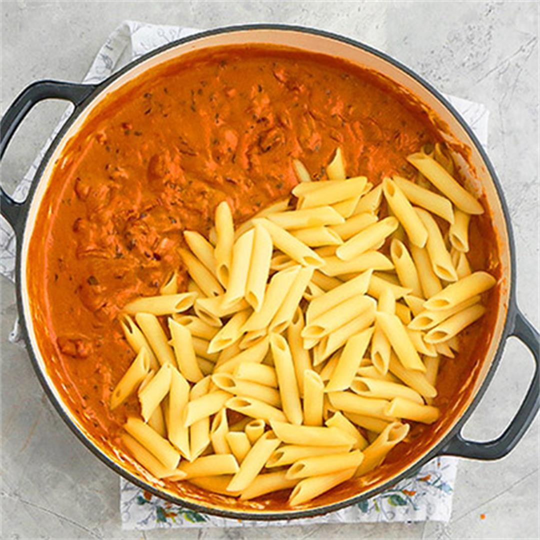 Butter Chicken Pasta (Indian Chicken Pasta Recipe)