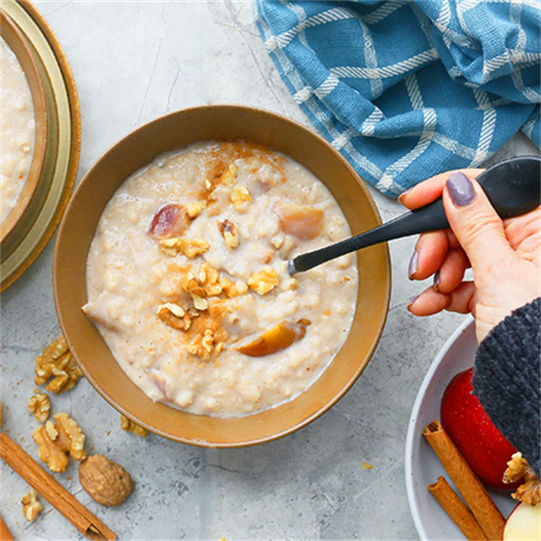 Instant Pot Apple Cinnamon Oatmeal with Rolled Oats