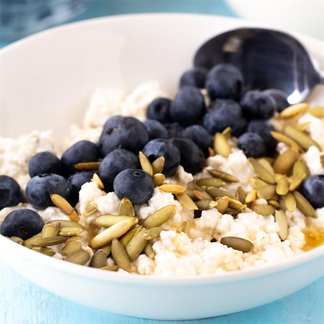 Blueberry Cottage Cheese Overnight Oats