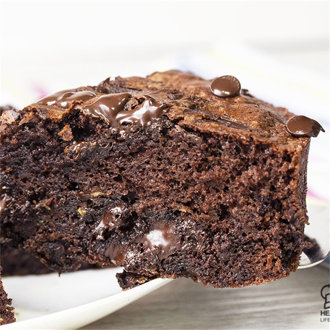 Healthy Chocolate Zucchini Cake-Healthy life Trainer