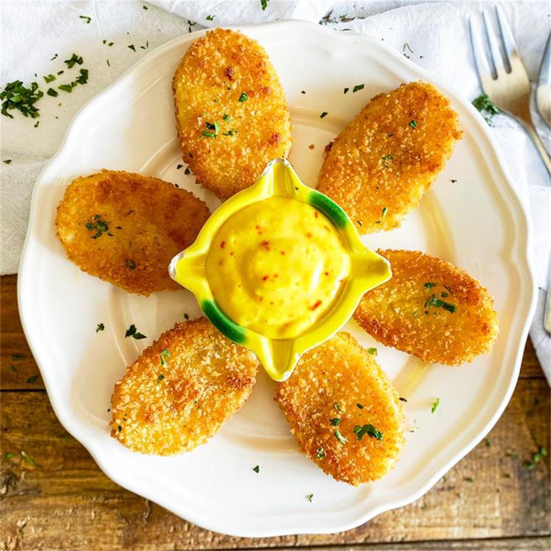 Crispy Breaded Potatoes with Spanish Aioli