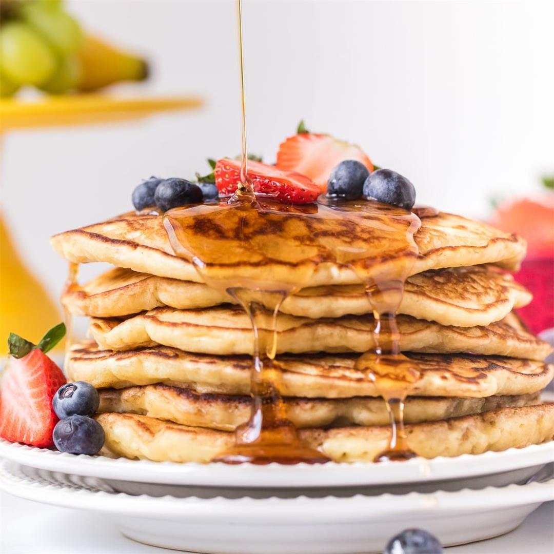 Easy Pancakes (for Beginners!)