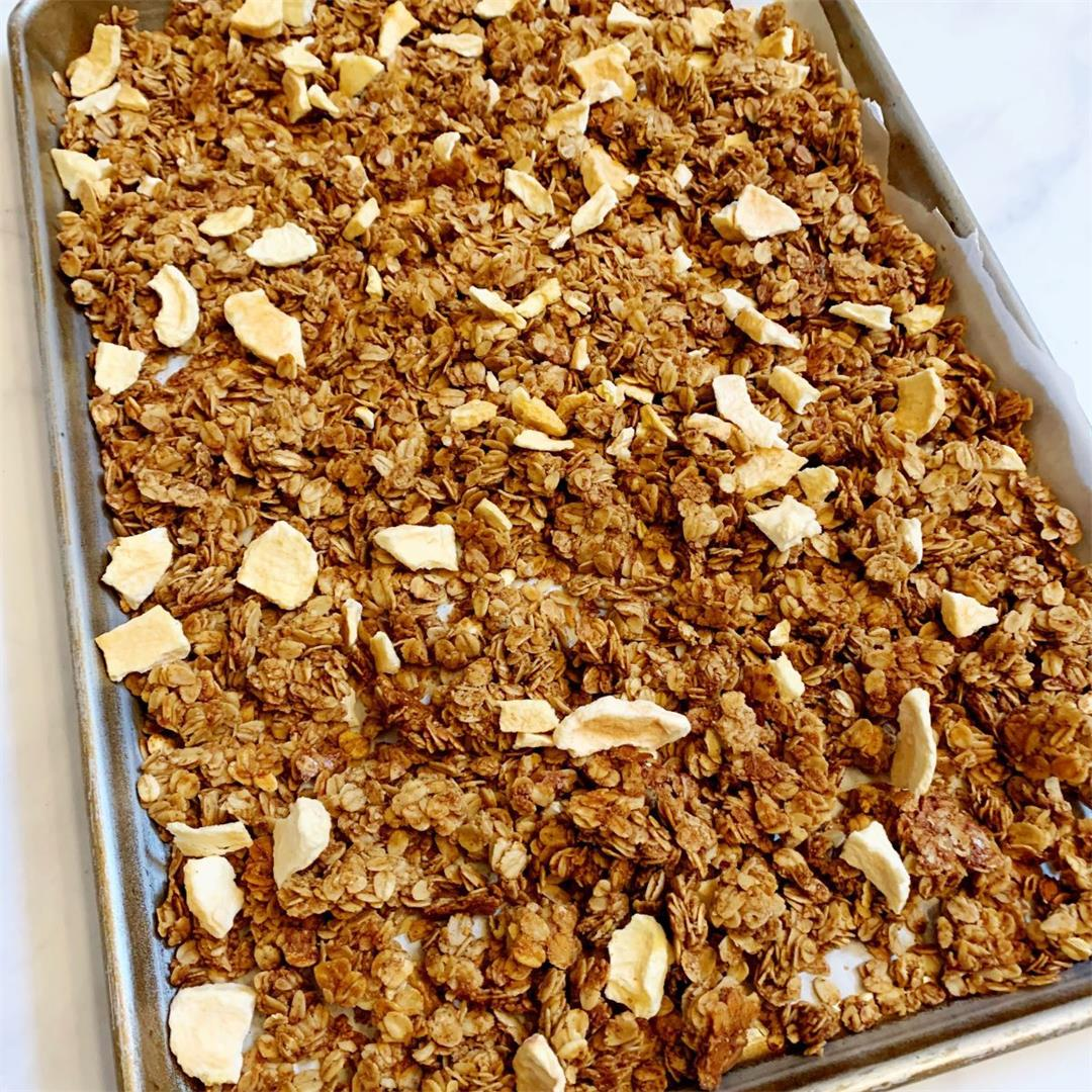 Healthy Apple Cinnamon Flax Seed Granola