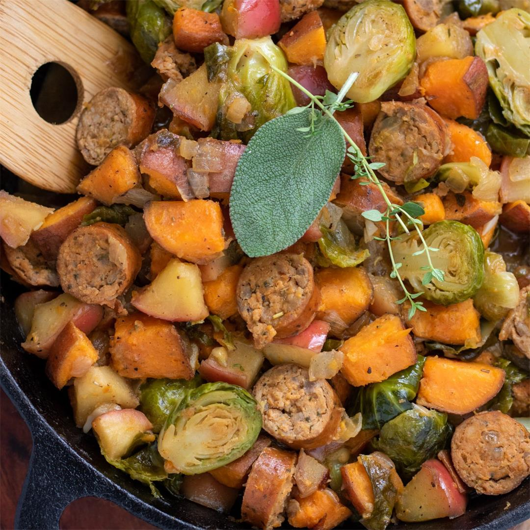 Chicken Sausage, Apple & Veggie Skillet