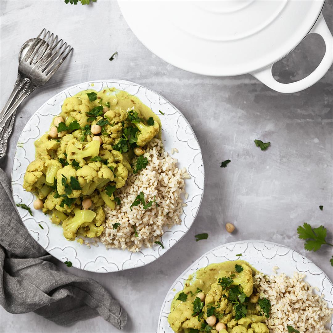 Easy Cauliflower & Chickpea Curry