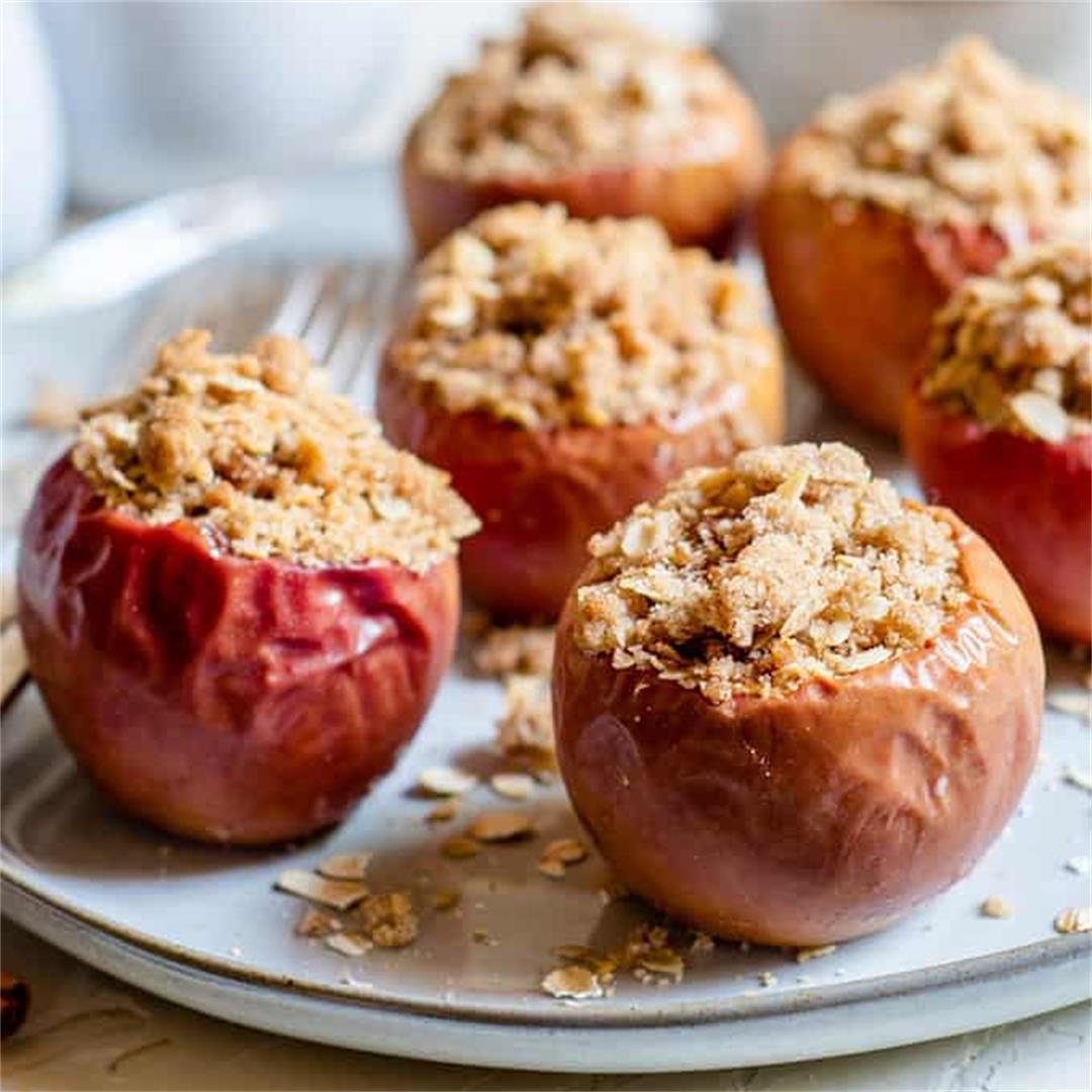 Oatmeal Crumble Baked Apples