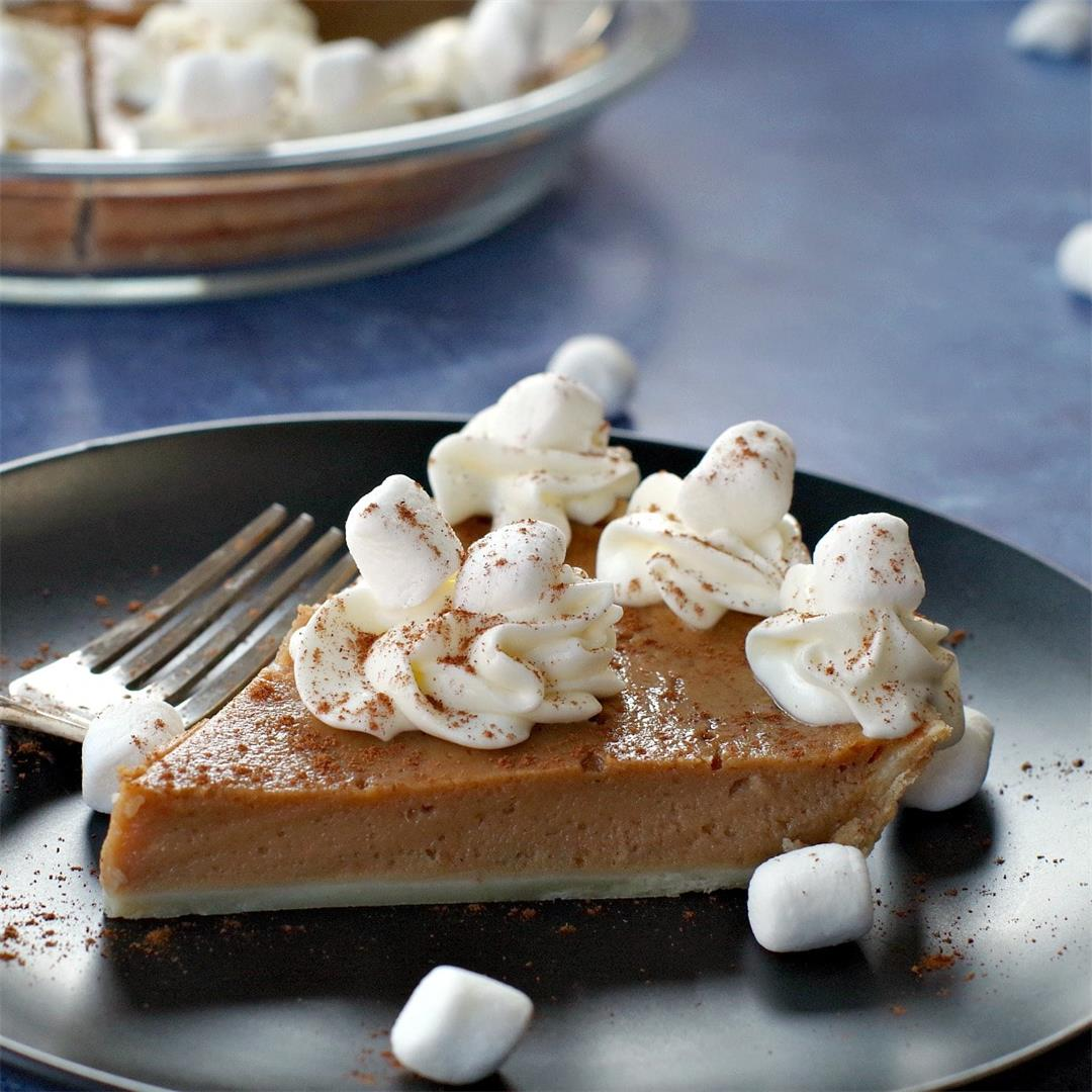 Sweet Potato Pie with Marshnallow Whipped Cream