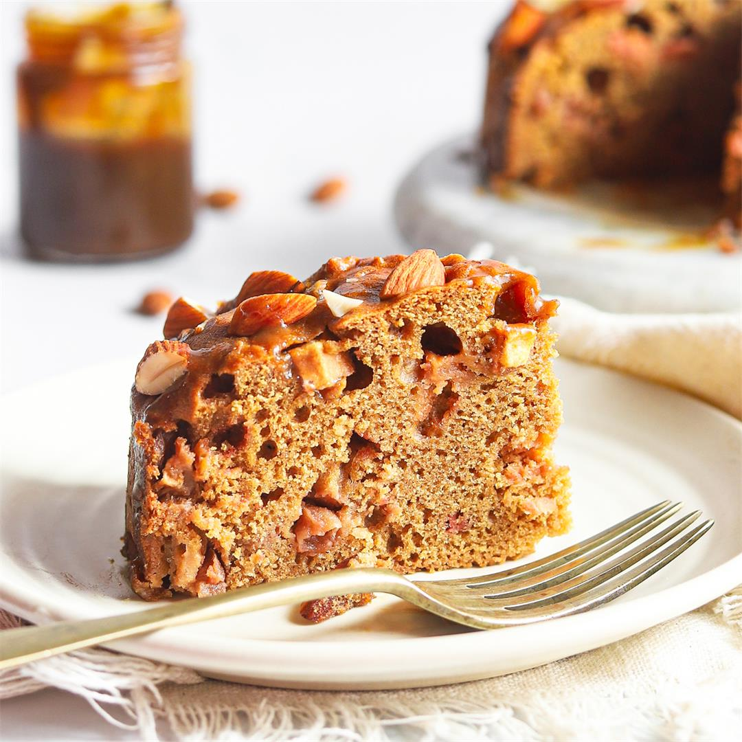 Easy Toffee Apple Cake