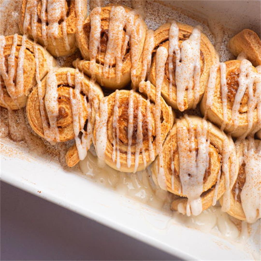 How to Make Cinnamon Buns