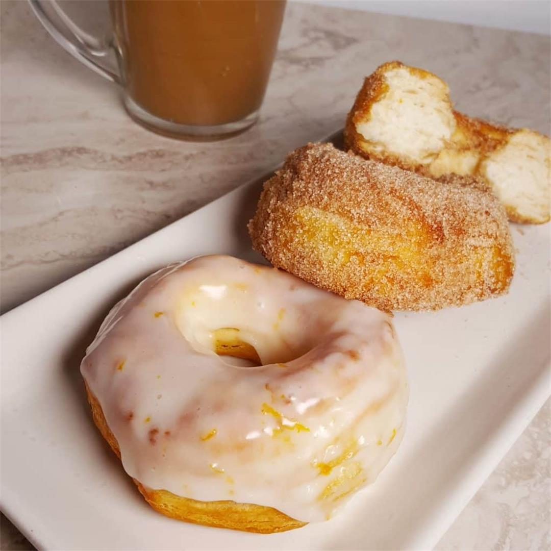 Quick Air Fryer Doughnuts [Glazed & Cinnamon Sugar]