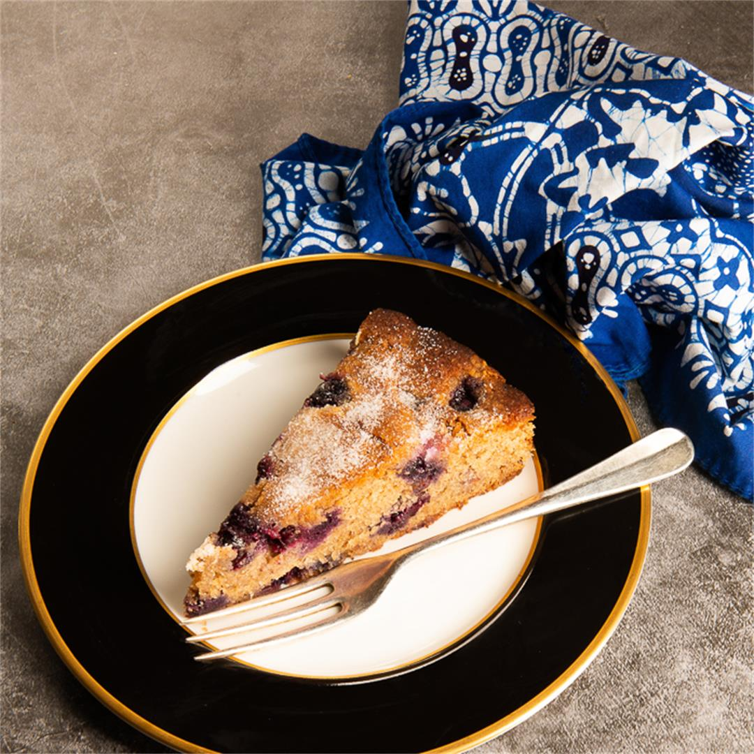 Almond and Blueberry Cake With Cinnamon