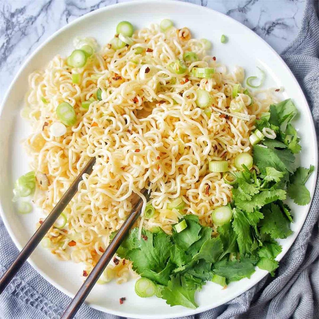 Easy Garlic Noodles