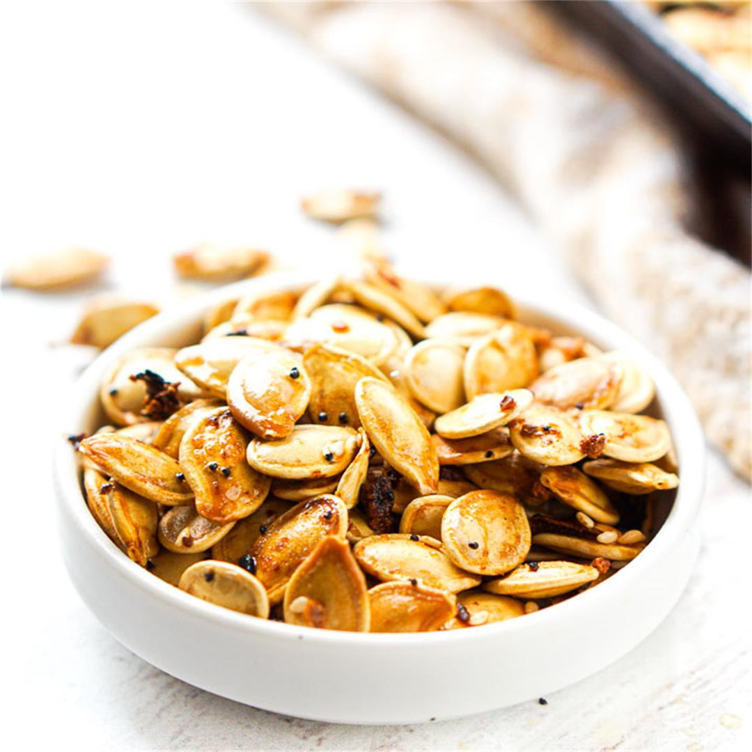 Low Carb Pumpkin Seeds Roasted with Everything Spice
