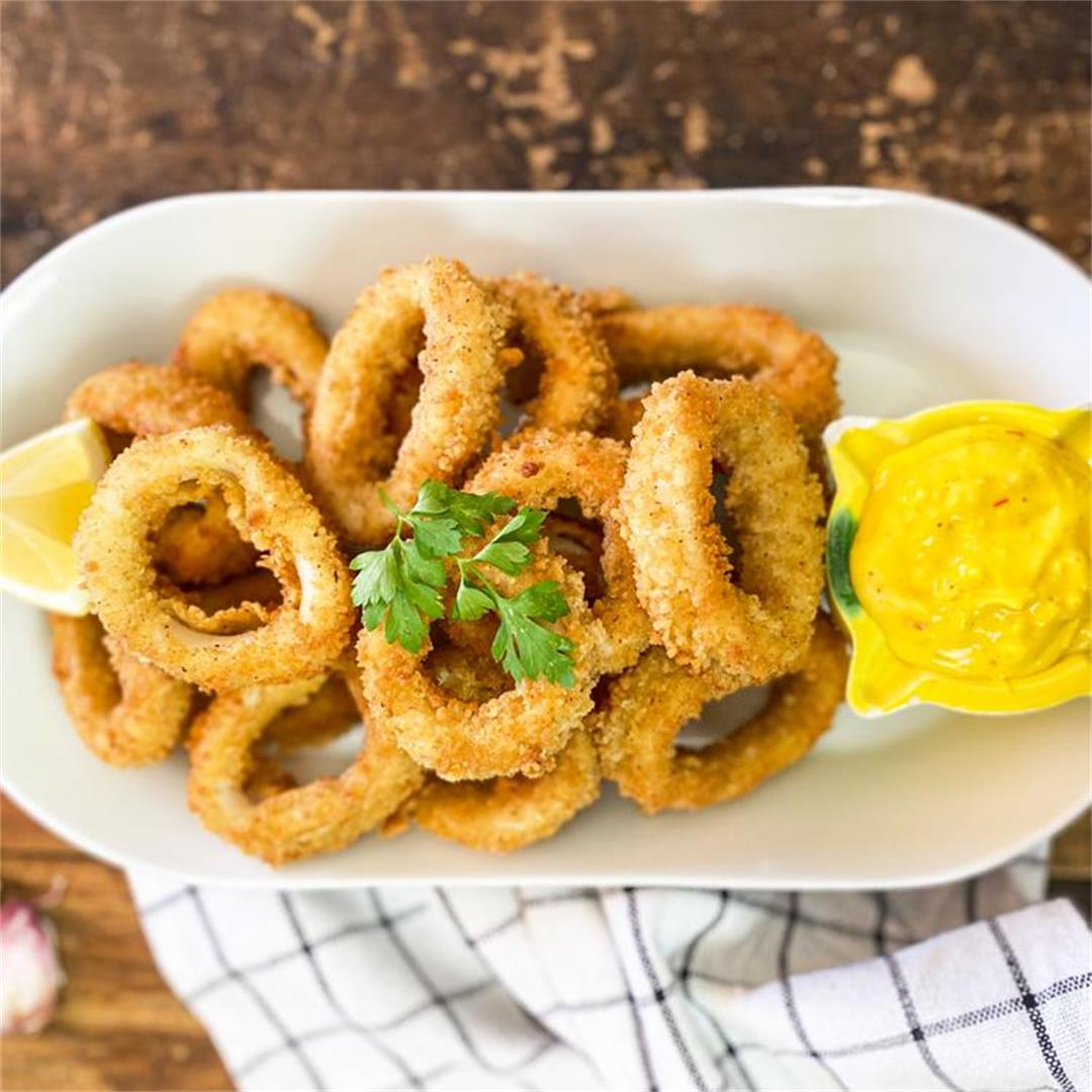 Restaurant-Style Fried Calamari | Calamares Fritos Recipe