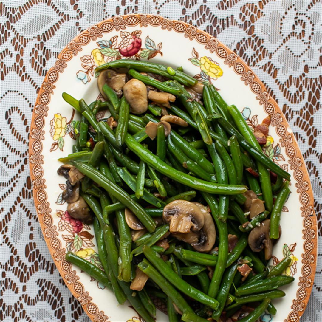 Instant Pot Green Beans with Bacon and Mushrooms