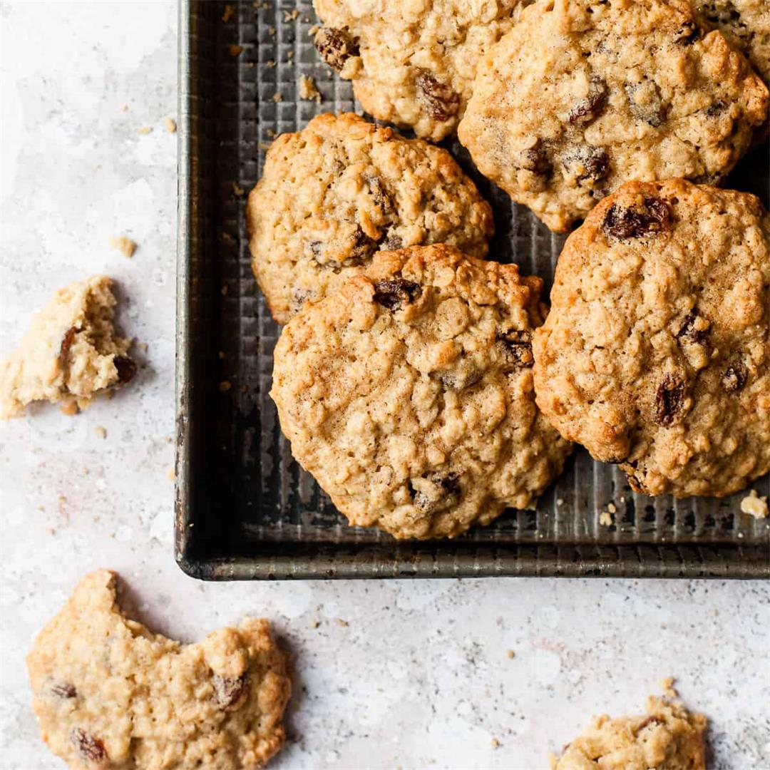 Chewy Oat and Raisin Cookies