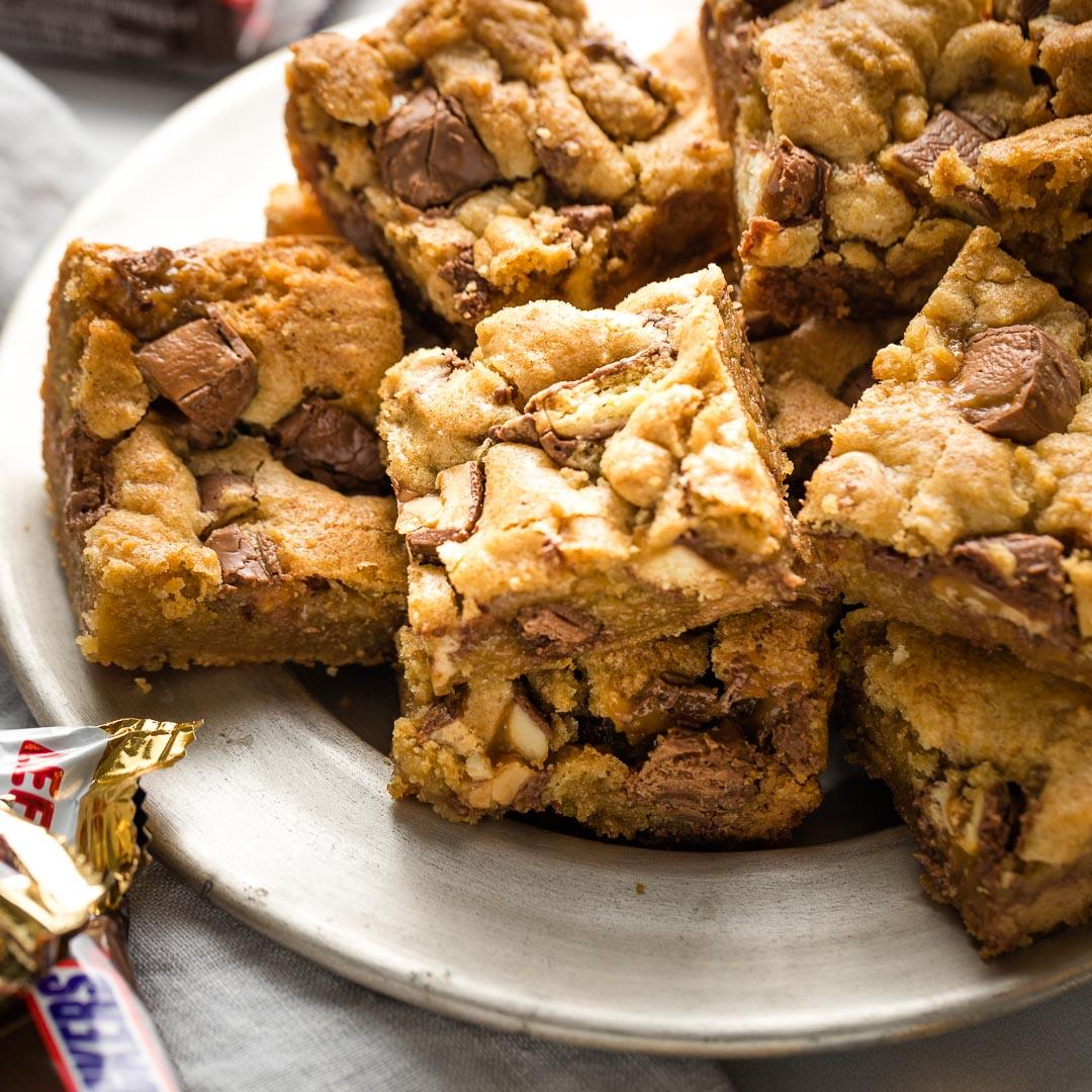 Super Chewy Candy Bar Blondies