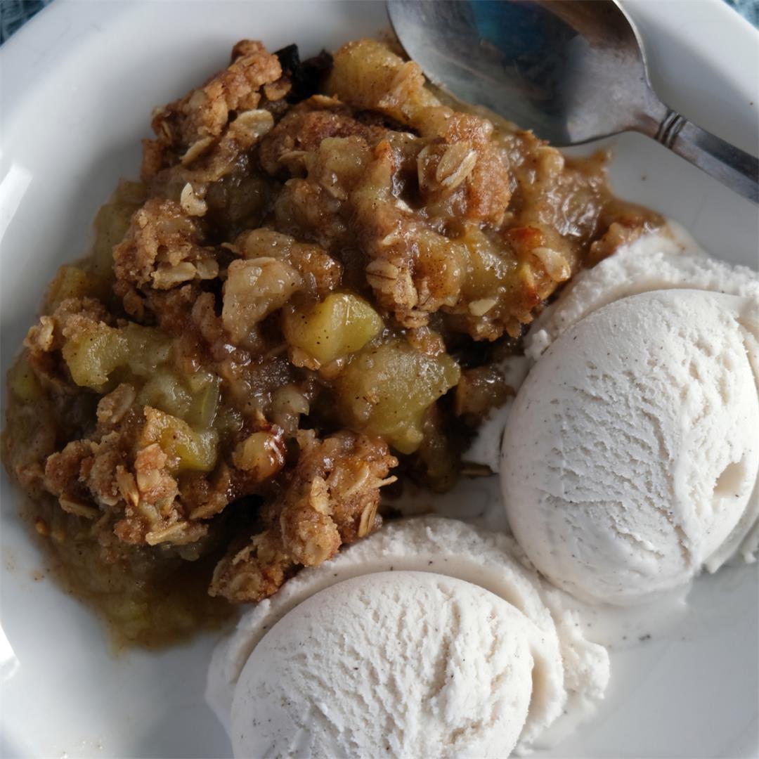 Perfect Vegan Apple Crisp (With Gluten-Free Option)