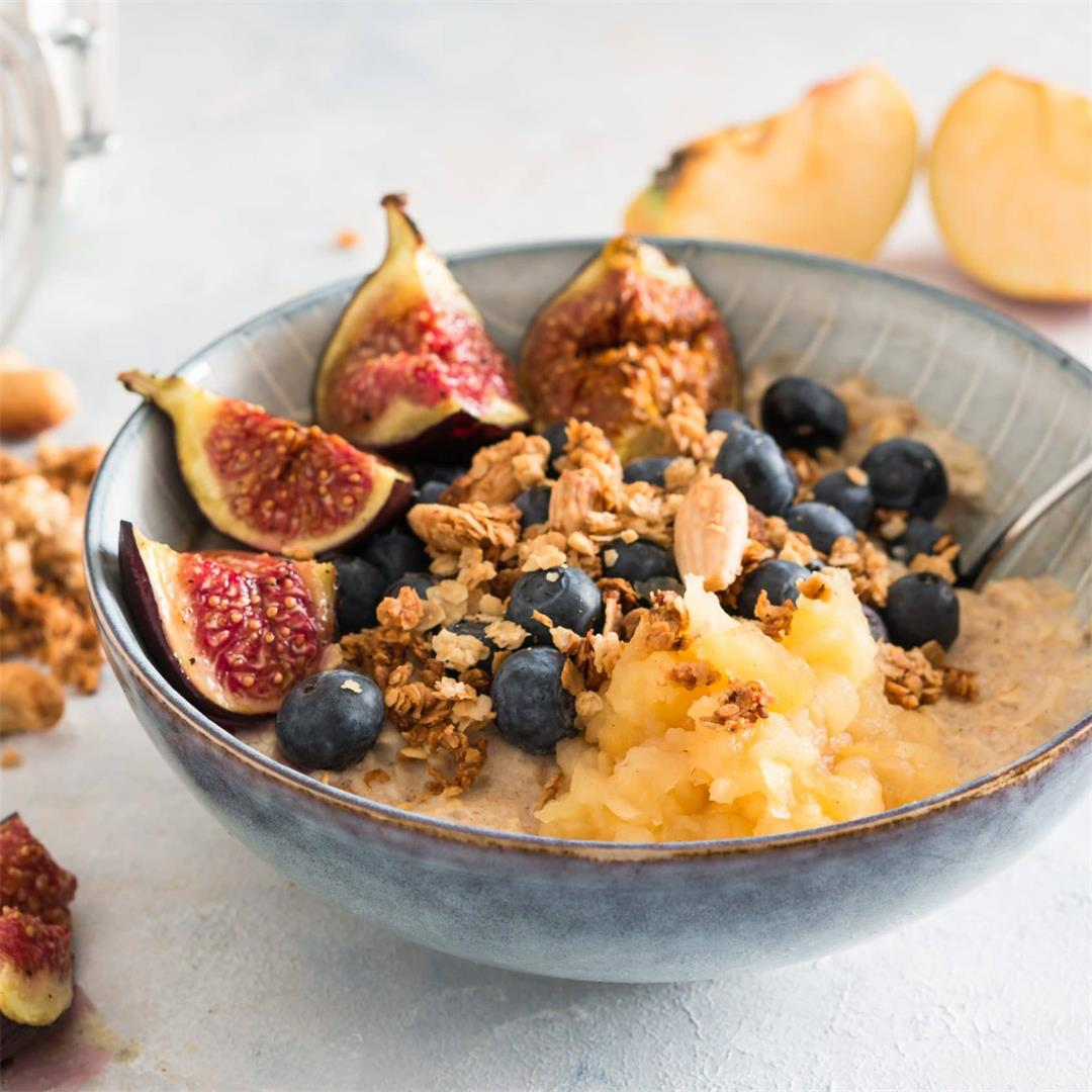Oatmeal with Figs, Apples and Cinnamon