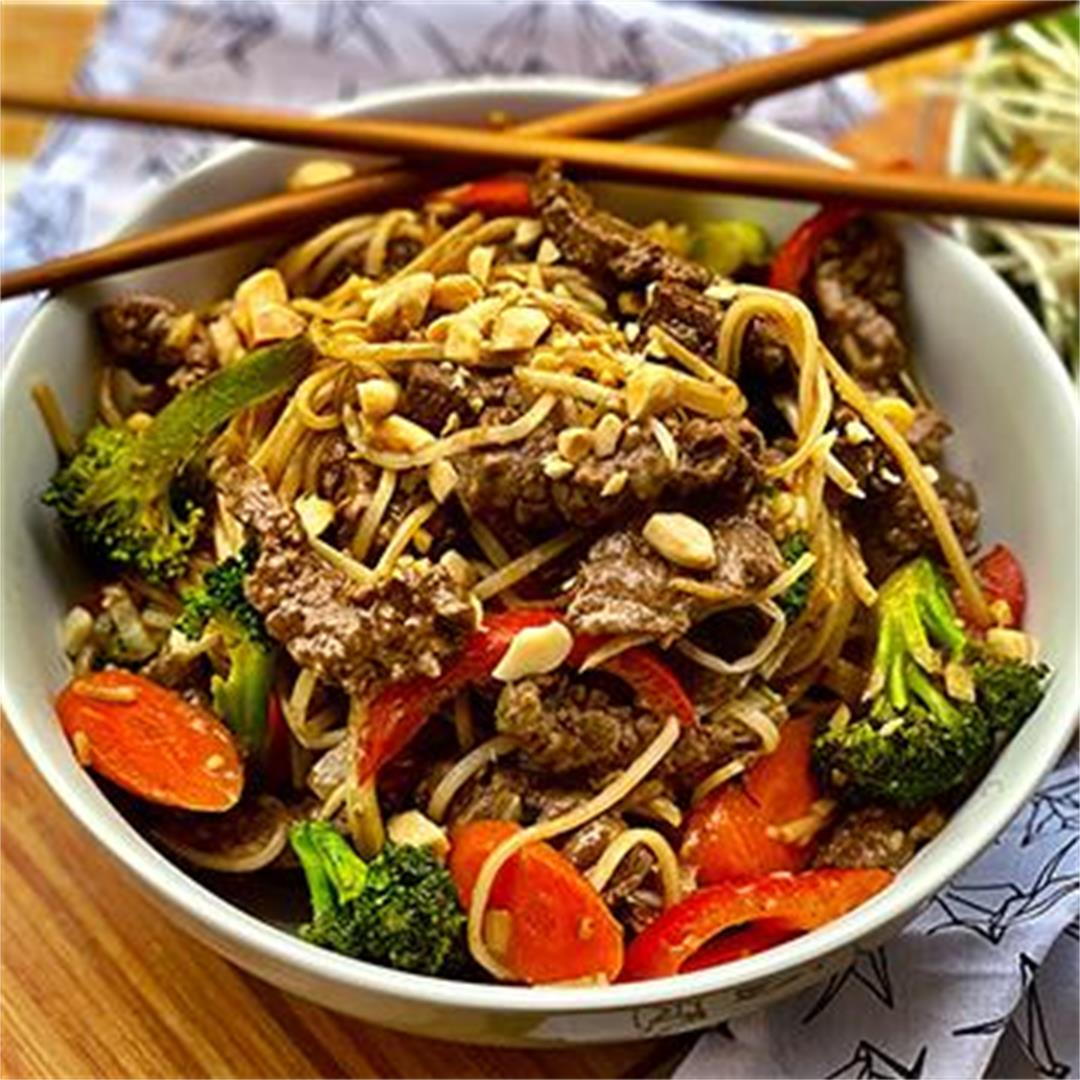 Spicy Wagyu Beef Pad Thai