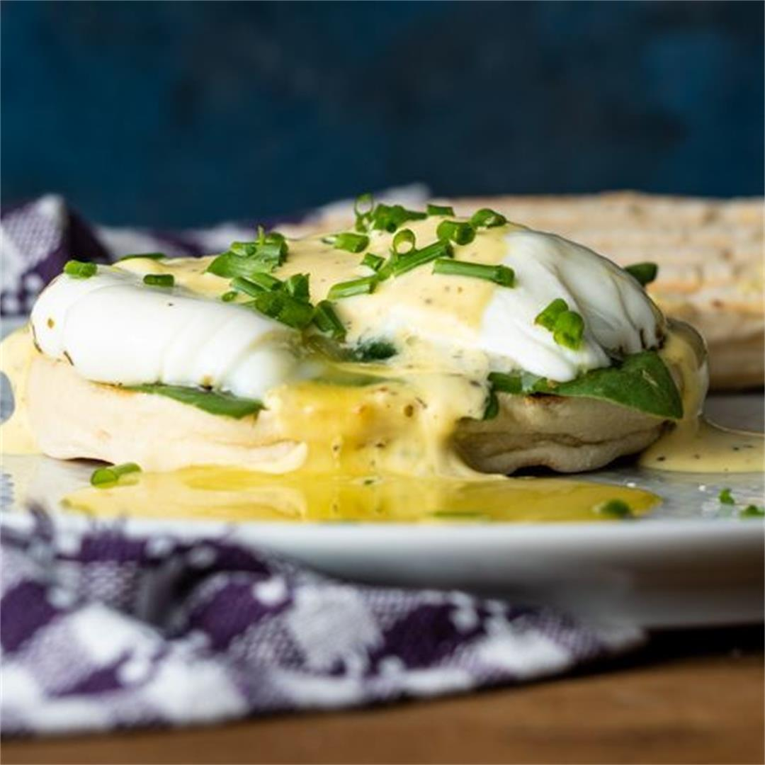 Poached Eggs with Mock Béarnaise Sauce