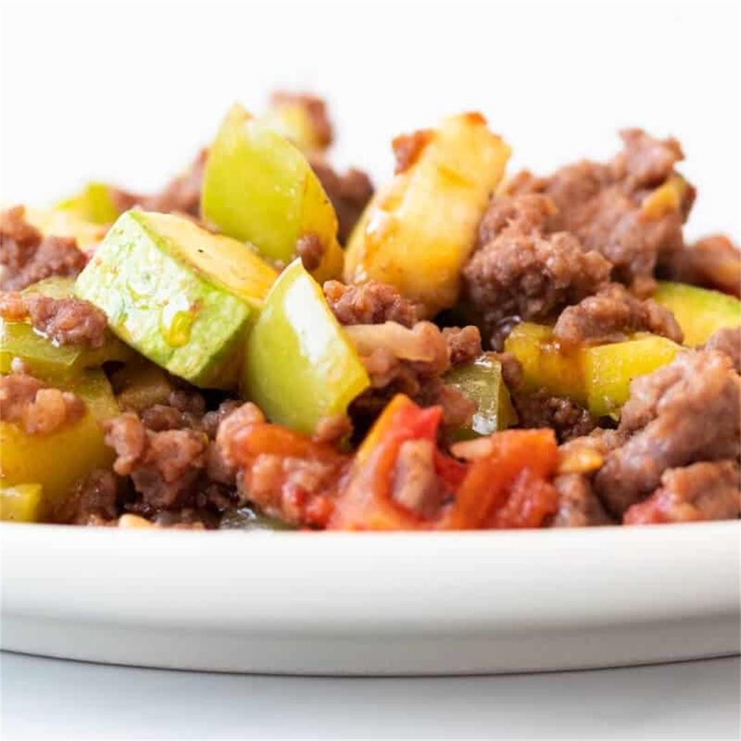 Easy Ground Beef and Squash Skillet