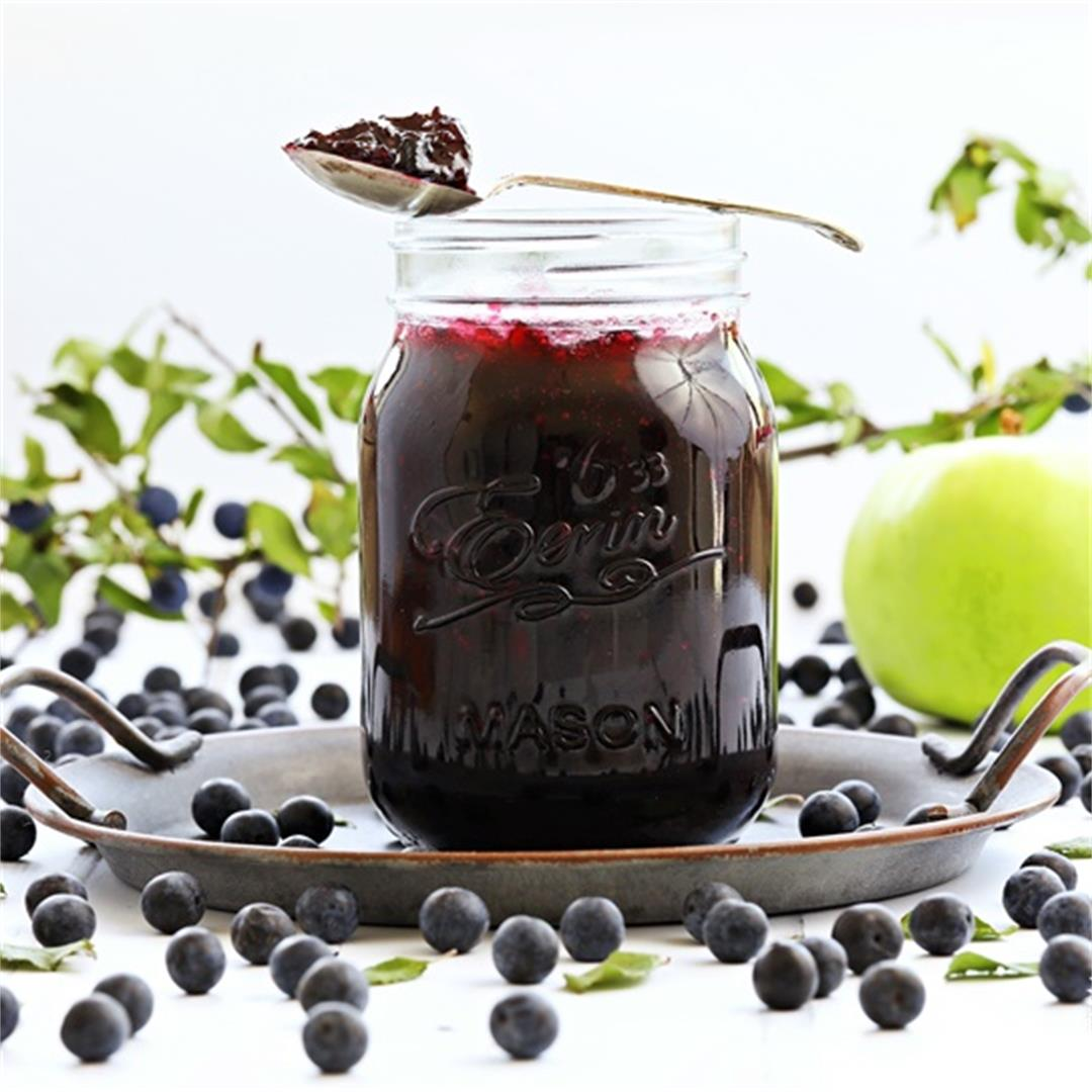 Sloe & Apple Jam + video & pitting hacks.