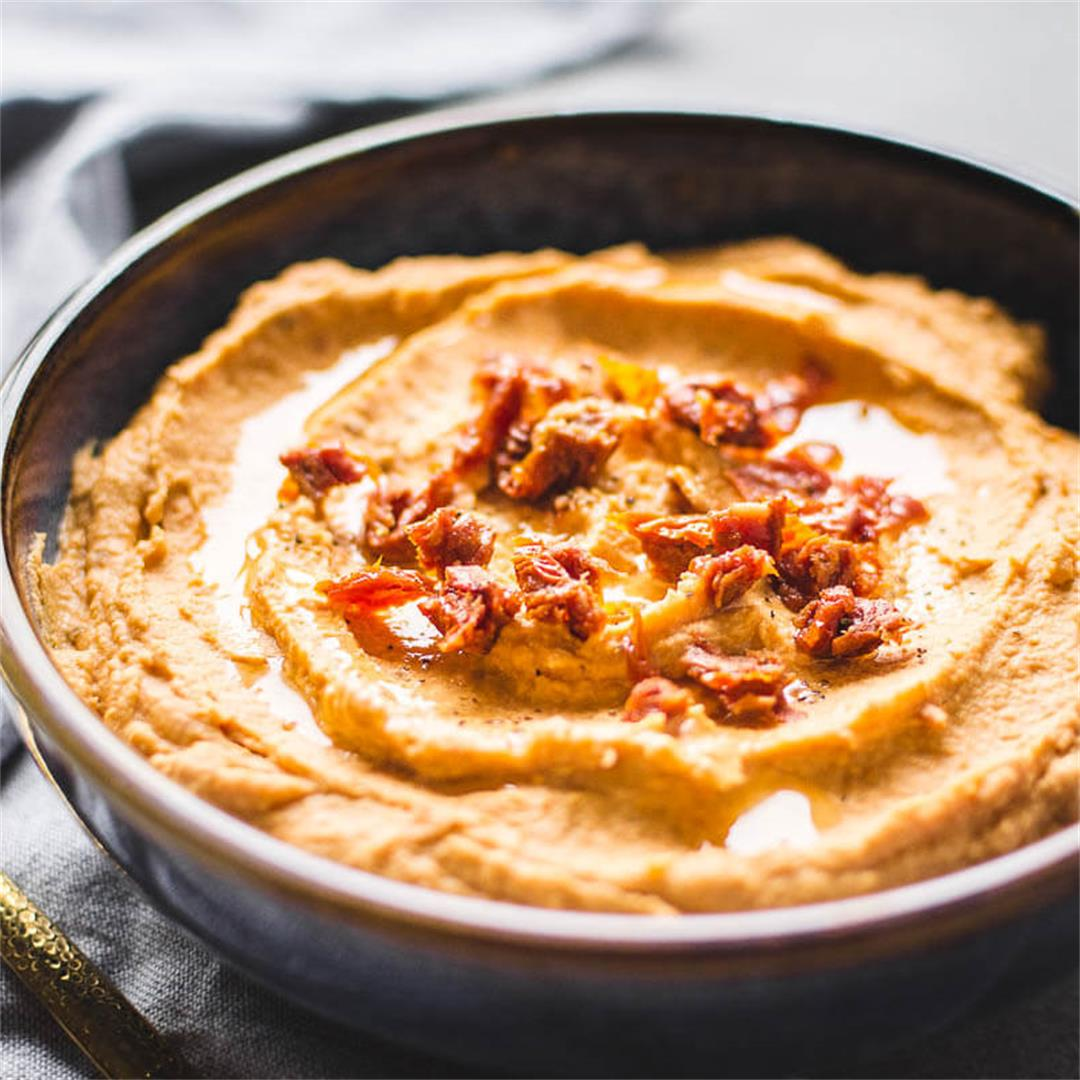 Sun-dried tomato hummus (Vegan and Gluten-free)