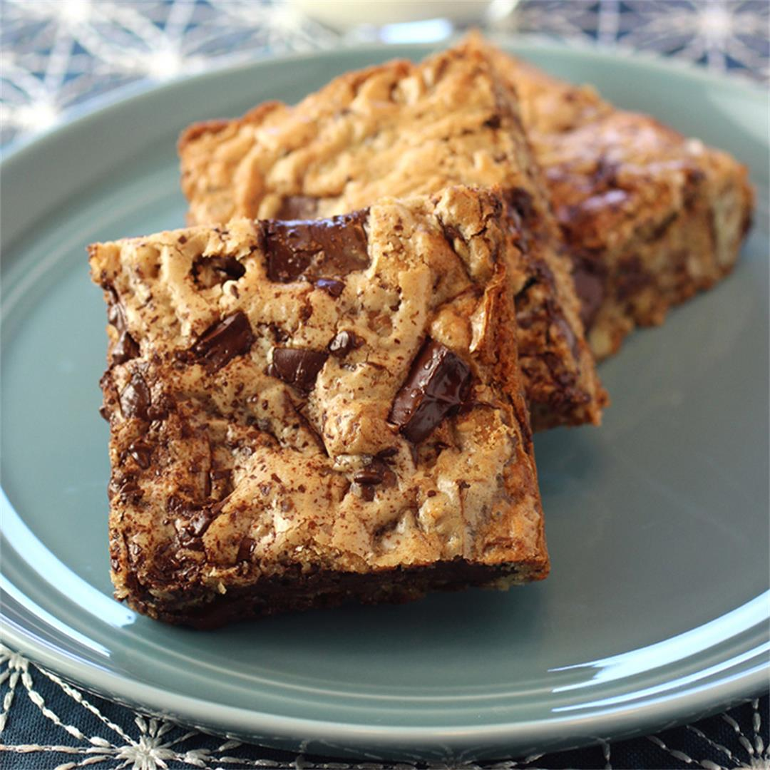 Roasted Pecan Blondies made with pecan oil