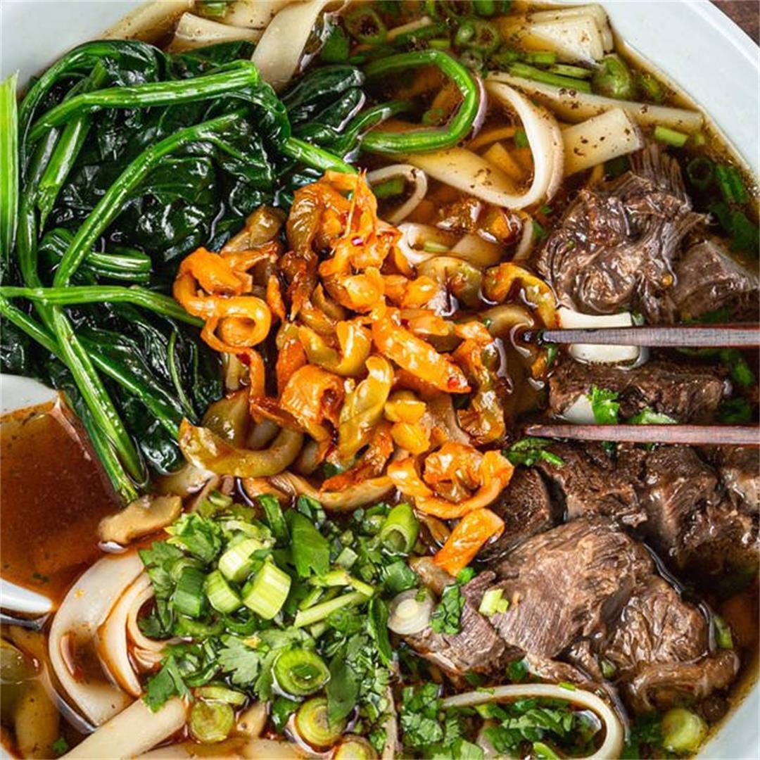 Instant Pot Taiwanese Beef Noodle Soup (紅燒牛肉麵)