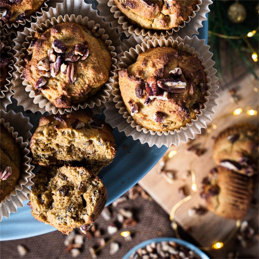 Quick almond flour and pecan muffins without refined sugar