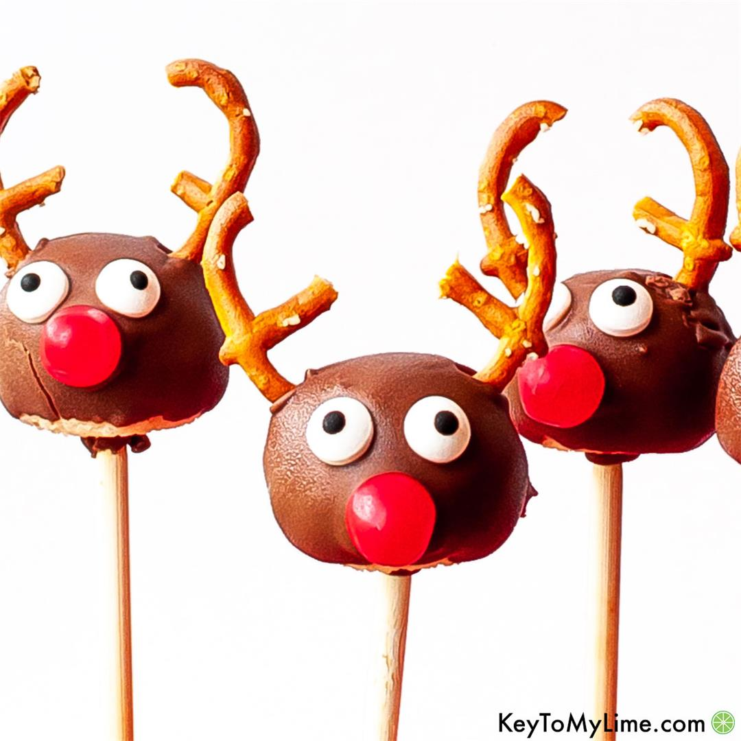 Reindeer Cake Pops: The BEST Christmas Cake Pops!