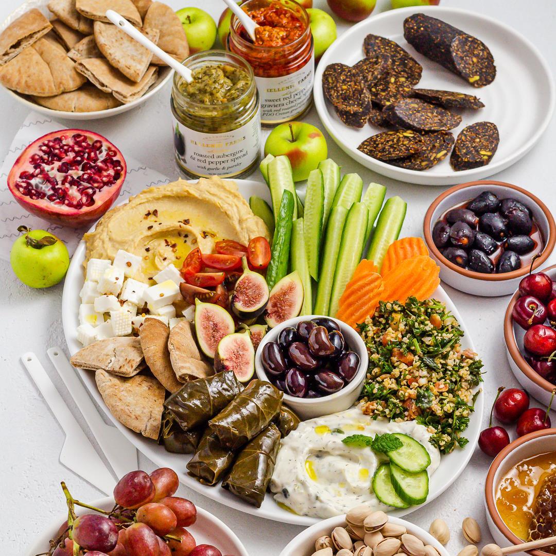 How to Build a stress-free Mediterranean Mezze Platter