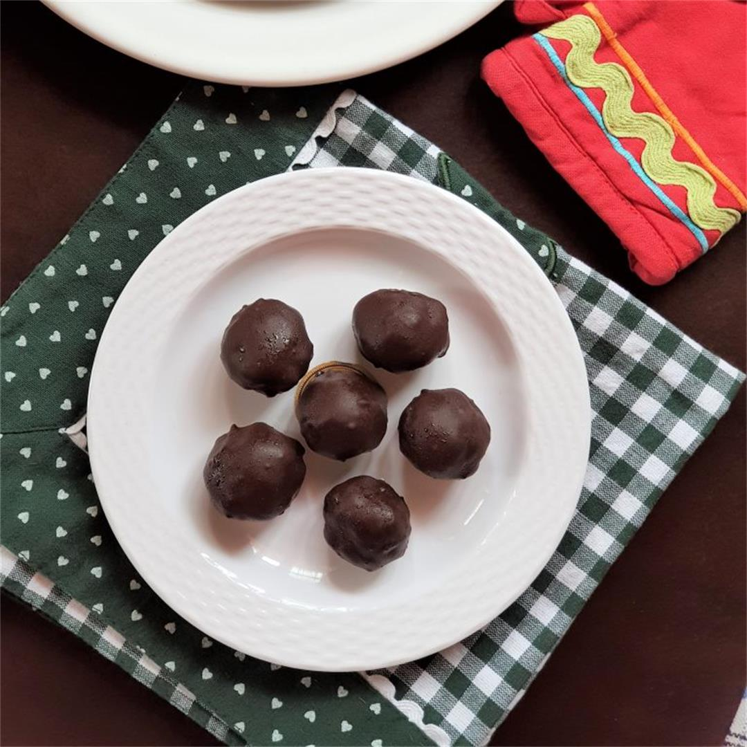Want To Learn How To Make Simple Chocolate Coconut Truffle |