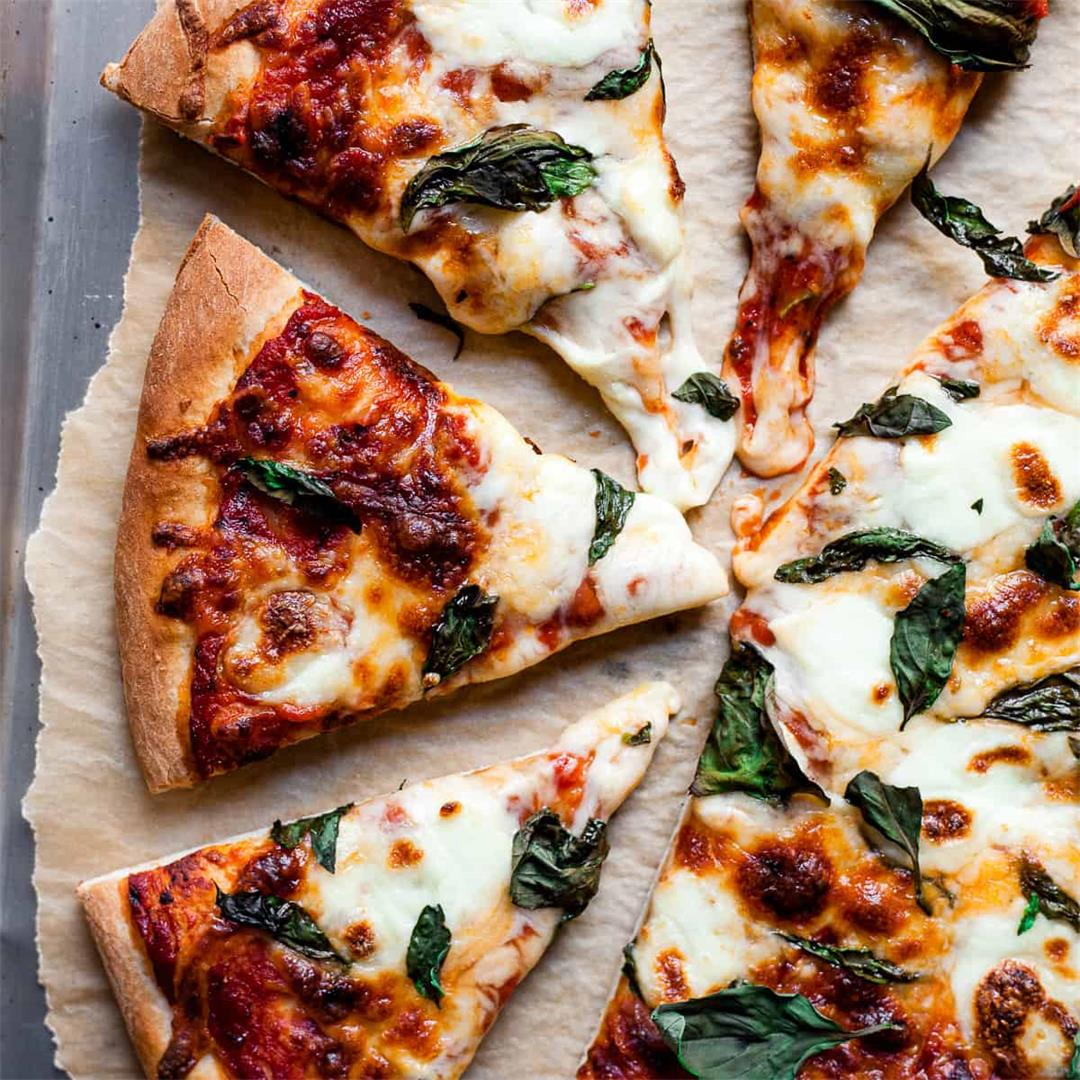Easy Pizzeria Style Margherita Pizza