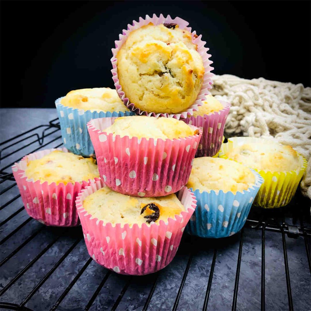 Eggless tutti frutti cupcakes