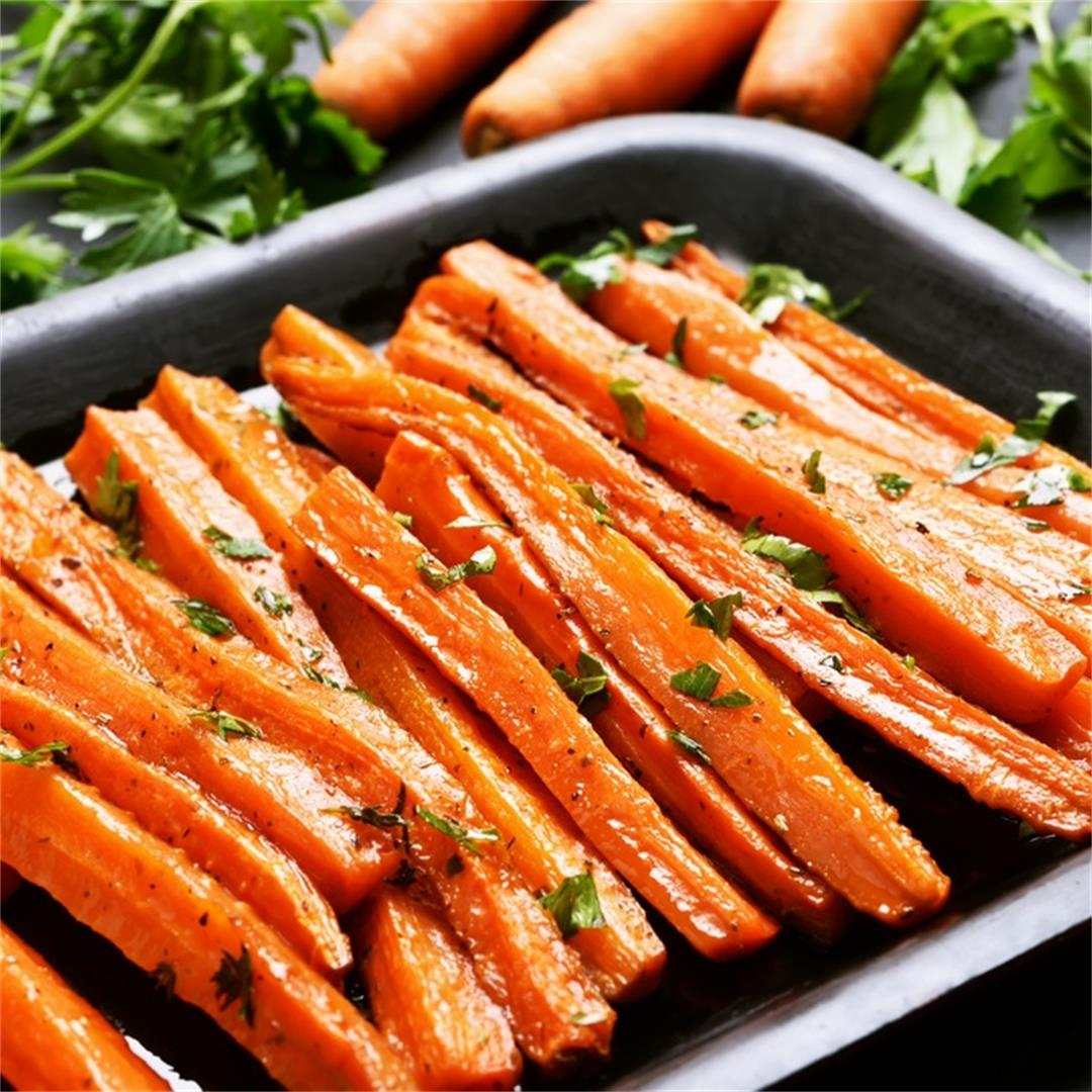 Simple & Delicious Maple Garlic Glazed Carrots (GF)