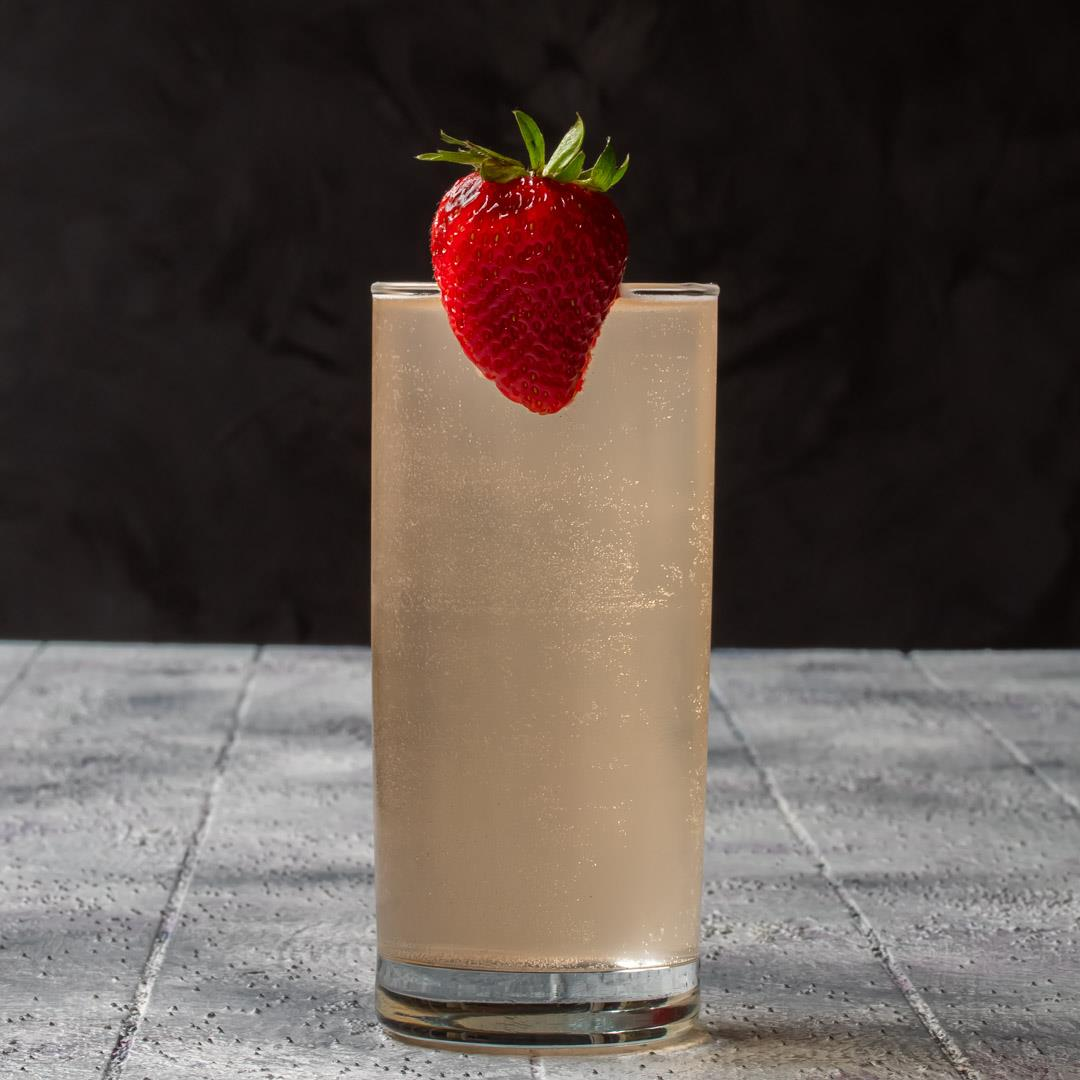 Strawberry Fiz: Pickle mocktail & cocktail