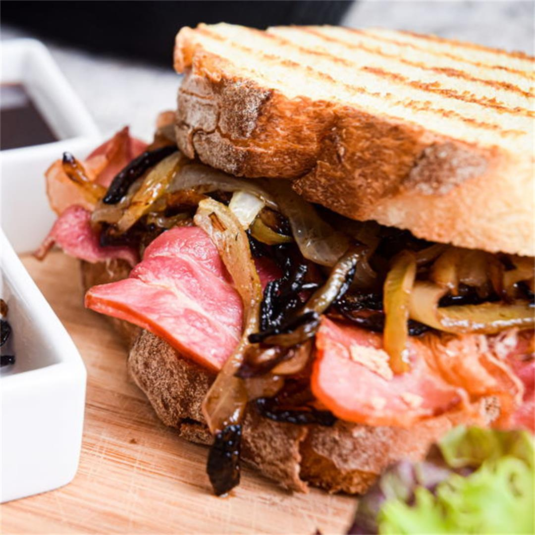 Bacon Butty (Bacon Sandwich) With Caramelized Onions
